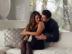 Sexy porn sluttie Eva Lovia bounced hard to a horny hot man's dick