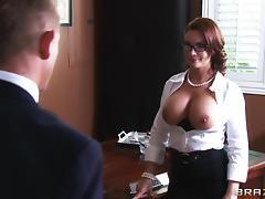 Busty mom Diamond Foxxx seduces Bill Bailey and fucks him in an office