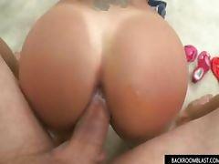 Hot girl gets cummed inside her pussy