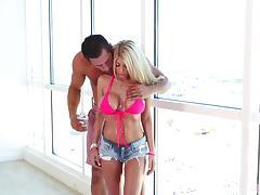 Bombshell blonde woman can suck a cock like a true slut