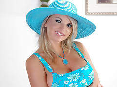 Vicky Vette & Jerry in Housewife 1 on 1