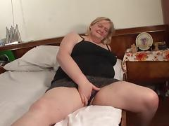 It's time for Elze to let the guy finger her beautiful pussy