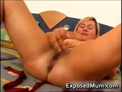 Juggs mother on a horny vibrator