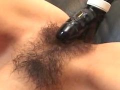 Hairy pussy slut Mami Shindou toy inserting