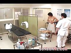 Busty Japanese MILF Gets Fucked Until Squirting at the Gyno