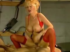 Dolly Buster Gets Double Penetrated