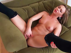 Horny blonde Amanda Blake masturbates her pussy