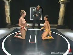 Avy Lee Roth and Jade Marxxx feel each other up during a battle on tatami