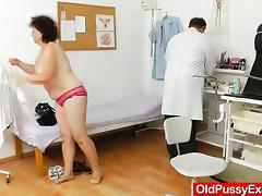 Full-grown unfocused get her age-old and prudish pussy toyed