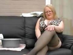 Granny Wants You Upon Wank Insusceptible to Her