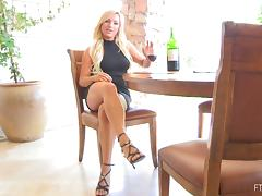Horny Embry hammers her hot pussy with a wine bottle